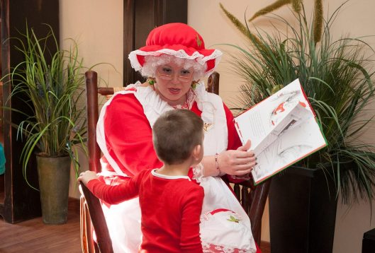 story-time-with-mrs-claus-at-tastefully-kentucky-12-3-16