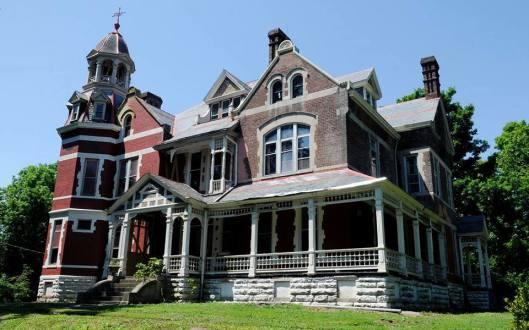 t-b-ripy-house